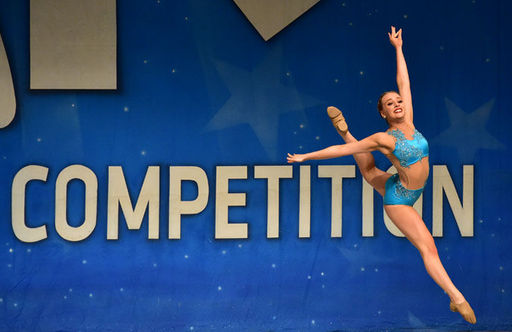 "Oakwood Student Named ""Miss Senior Dance Icon"" at Dance Competition"