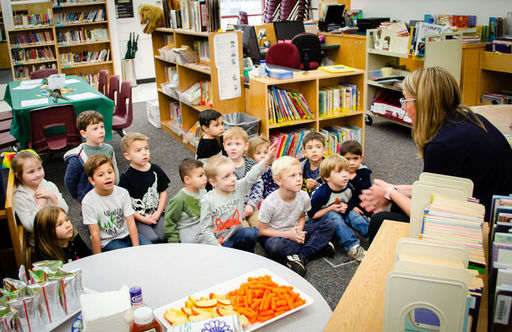 ECE Students Have a Dynamite Time at Dinosaur Story Time